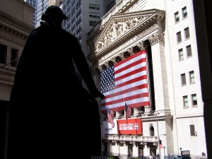 George Washington looks over at the New York Stock Exchange