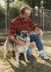 Roxanne and Ray enjoy a moment in the kennel Ray built for Elvemel in 1995